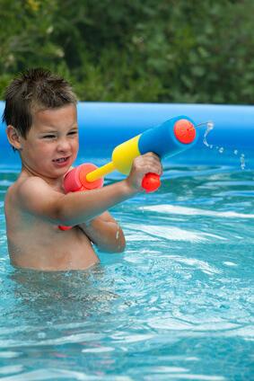 Pool- und Wasserkanone im Einsatz
